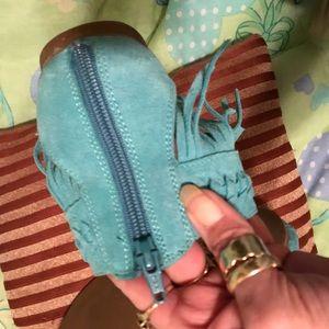 Minnetonka Shoes - MINNETONKA* Turquoise suede fringe sandals Sz9⭐️✨